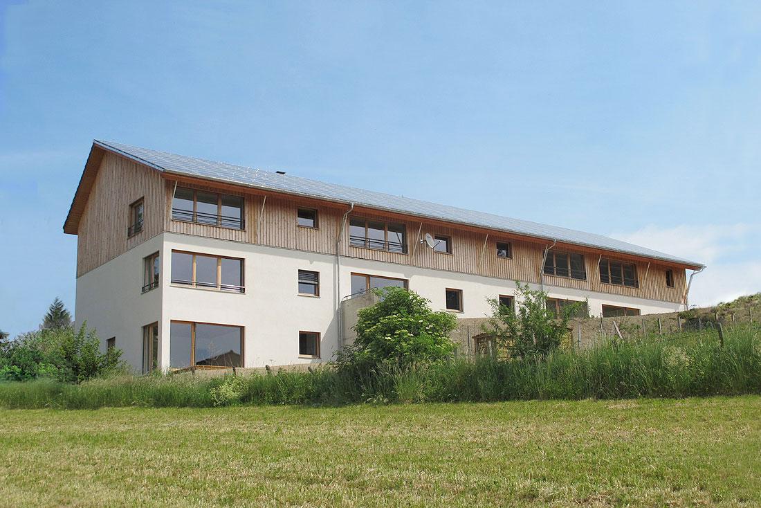 Pierre Levy architecte; construction d'un bâtiment de logements sociaux BBc; vue des façades sud et ouest