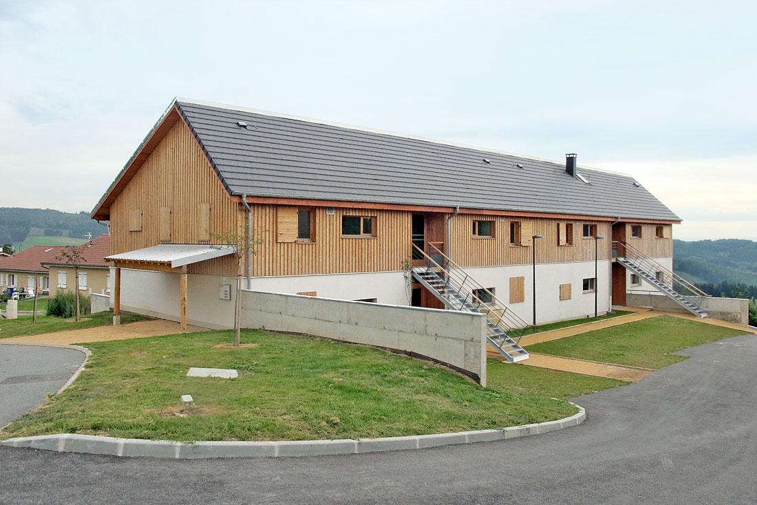 Pierre Levy architecte; construction d'un bâtiment de logements sociaux BBc; vue des façades est et nord