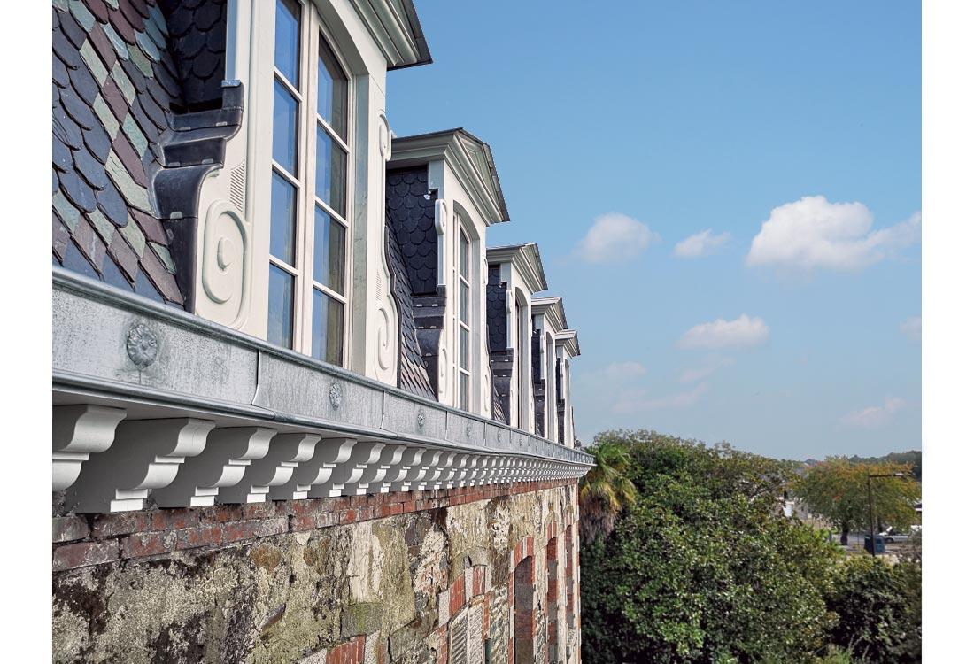 Christophe gillet architecte du patrimoine, rénovation d'une villa à Pontorson, vue des chiens assis et corniche